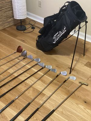 Titleist Golf Bag with 10 assorted clubs for Sale in San Francisco, CA