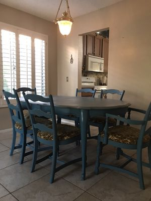 Vintage Dining Table with 6 chairs for Sale in Banning, CA