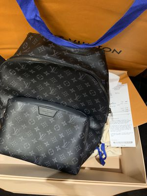 Louis Vuitton bag, like new comes with shopping bag, box , dust bag and receipt everything from store for Sale in Brooklyn, NY