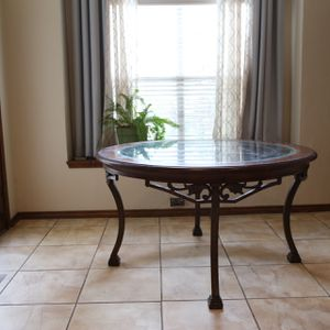 "Round Dining Table 54"" for Sale in Frisco, TX"