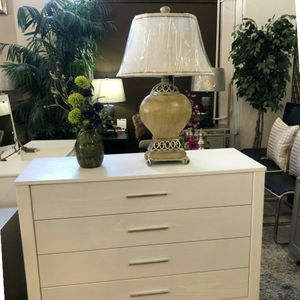 White 4 Drawer Dresser for Sale in Portland, OR