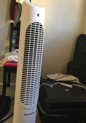 Honeywell oscillating tower fan for Sale in Torrance, CA