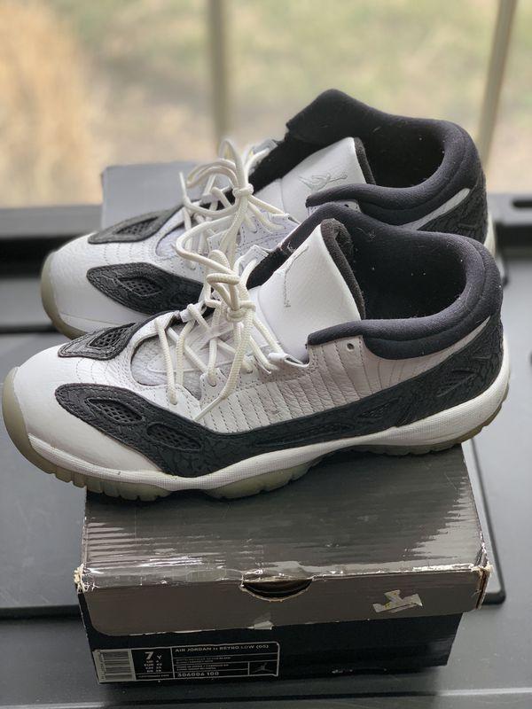 Jordan retro low 11 SZ.7