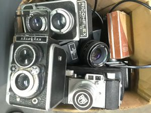 Vintage antique camera collection for sale vivitar, yashica,nikon,ricoh,aka rette for Sale in San Diego, CA