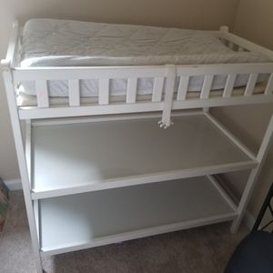 White Wooden Changing Table for Sale in Atlanta, GA
