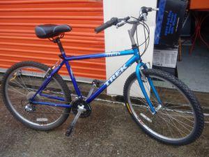 Beautiful trek bike size med alunimun frame for Sale in Nashville, TN