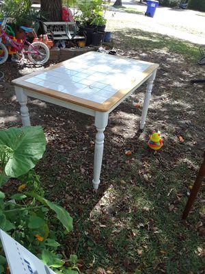 Bonita mesa barata $30 Dlls for Sale in Dallas, TX