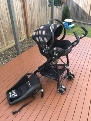Infant car seat with car seat caddy Maxi-cosi for Sale in Everett, WA