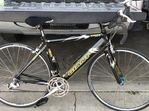 Giant TCR aero composite road bike for Sale in Riverside, CA