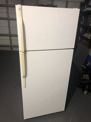 GE REFRIGERATOR FOR SALE . Great condition for Sale in Plantation, FL
