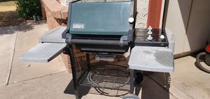 Weber Natural Gas BBQ Grill for Sale in Sun City, AZ