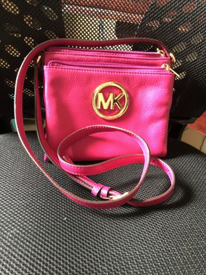 Authentic Michael Kors Crossbody for Sale in Apollo Beach, FL
