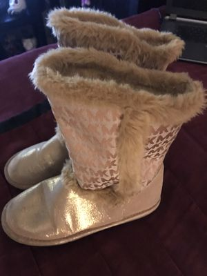 Micheal Kors girls Boots size 4 GREAT shape for Sale in King, NC