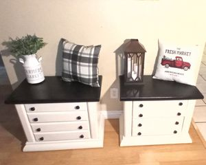 2 Night Stands / Side Tables for Sale in Phoenix, AZ