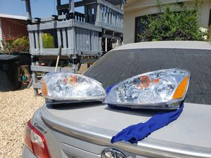 Nissan Altima headlights 02-04 for Sale in Perris, CA