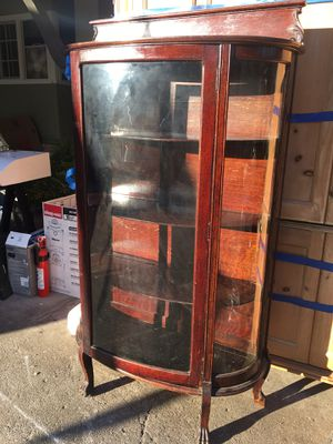 Antique Claw foot cabinet with Curved glass. for Sale in San Jose, CA