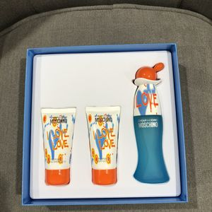 Moschino Cheap And Chic Fragrance Set for Sale in Crofton, MD