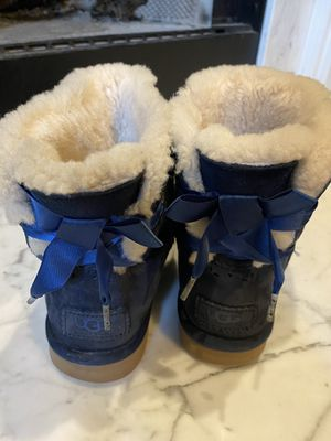Size 8 navy blue uggs for Sale in Fayetteville, GA