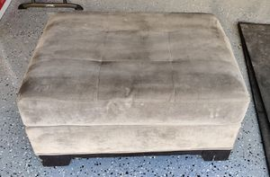 Free grey ottoman for Sale in Martinez, CA