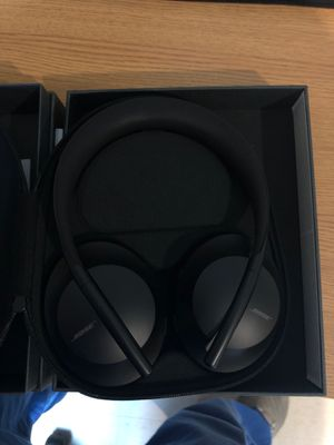 Bose Noise Cancellation 700 headphones for Sale in Fort Bragg, NC