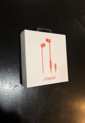 UrBeats3 earbuds/ headphones for Sale in Bellevue, WA