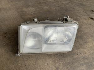 Mercedes E-Class Left Headlight for Sale in Los Angeles, CA