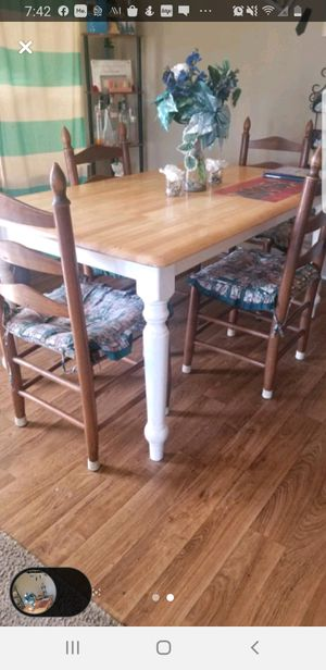 Wooden Kitchen table with 5 chairs. for Sale in Walnut Cove, NC