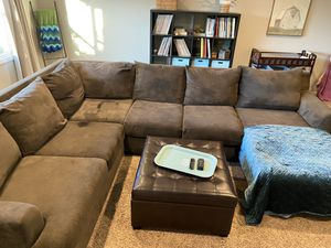 Couch sectional for Sale in Corona, CA