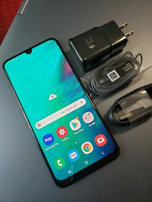 SAMSUNG Galaxy A50, Factory Unlocked..( Almost New Condition) for Sale in Springfield, VA