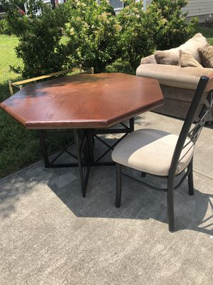 Solid Wood kitchen Table for Sale in Charlotte, NC