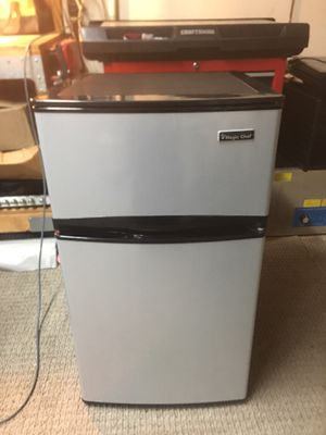 Magic Chef Mini Fridge (3.1 cu. ft., Stainless) for Sale in Garland, TX