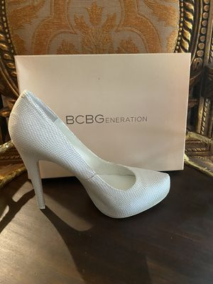 BCBG Snakeskin White Leather Heels for Sale in The Woodlands, TX