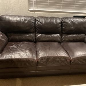 Free Leather Sofa And Loveseat for Sale in Happy Valley, OR