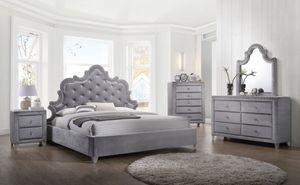 Grey queen velvet bed 🎈🎈🎈 for Sale in Fresno, CA