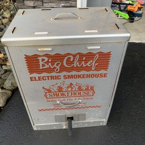 Big Chief Electric smoker for Sale in Lake Stevens, WA