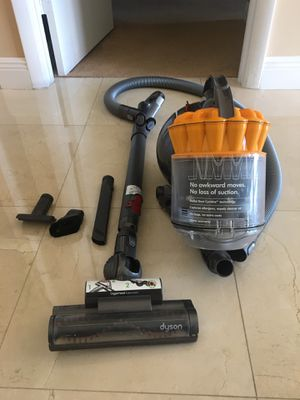 Dyson Ball Multi Floor Canister Vacuum - Bagless for Sale in Miami, FL