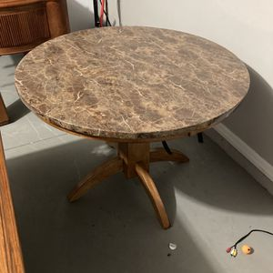 Vintage Breakfast Table for Sale in Haines City, FL