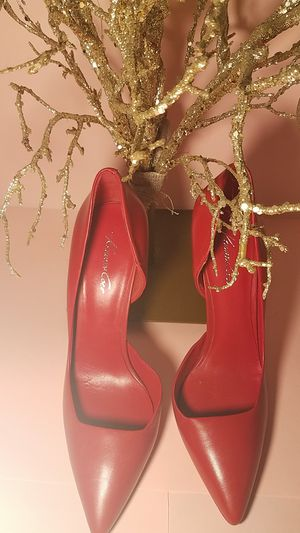 """Kick off the Holiday right !!with these""""Red"""" Kenneth cole Heels , size 7.5 Medium for Sale in Boca Raton, FL"""