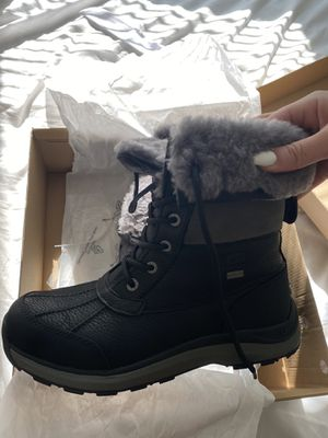 Ugg snow boots (8.5) for Sale in Rockville, MD