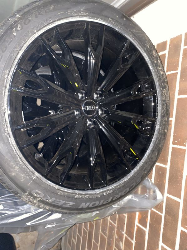 Brand new Audi Q7 wheels and tires