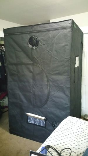4 x 4 x 8 Grow tent for Sale in Renton, WA