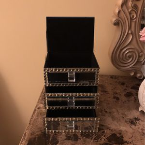 Mirrored Jewelry Box for Sale in Freehold, NJ