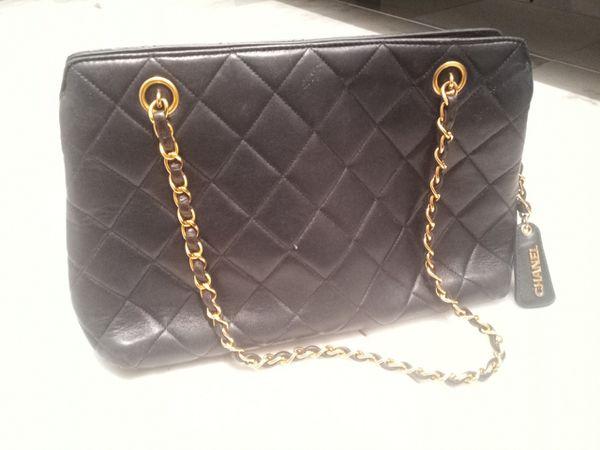 Authentic Vintage Chanel Leather Shoulder Bag