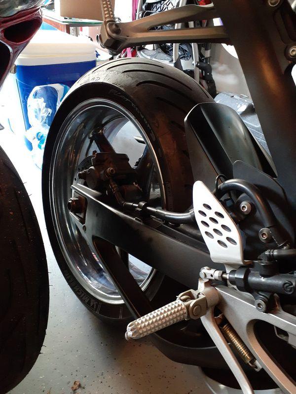 Yamaha R1 clean title