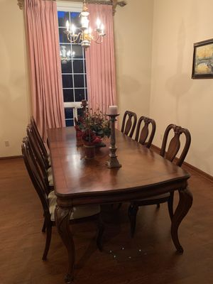 Grand Dining Table for Sale in Issaquah, WA