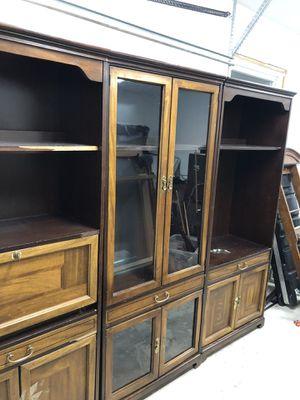 Bookshelves and china cabinet set for Sale in Jackson Township, NJ