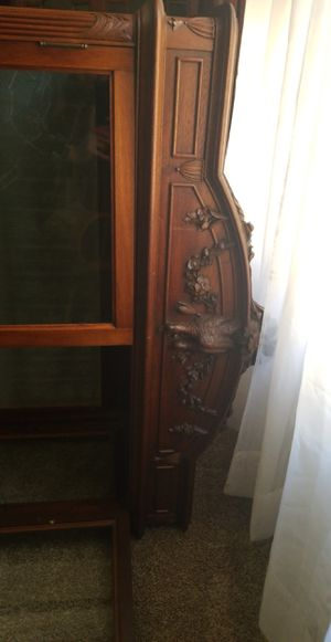 Beautiful Antique Curio Cabinet for Sale in Chicago, IL