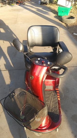 Golden companion scooter 350 pounds weight limit for Sale in Modesto, CA