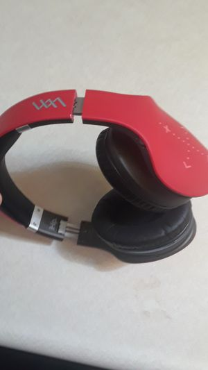 wireless bluetooth headphones for Sale in Tulare, CA