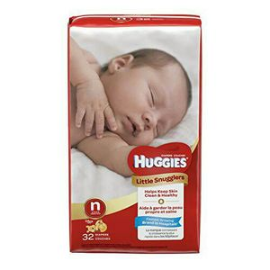 Newborn Huggins little snugglers diapers 32 count for Sale in Colorado Springs, CO